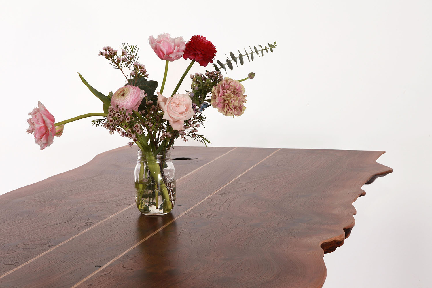 Pacific Dining Table_halo+flowers .75